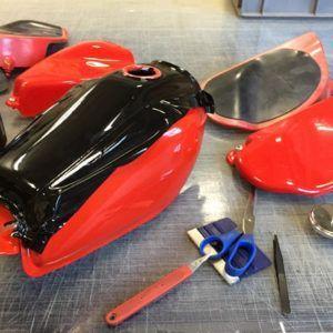 i-race fontfront rossdorf honda tank motorrad folie beklebung wrapping knifelesstape 3